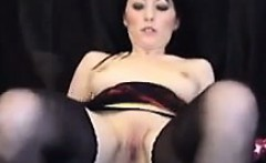 Beautiful MILF Fingering Her Pussy