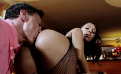 Black stunner Noemilk has the most amazing ass, watch as
