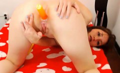 Babe Fingers her Pussy and Toys her Ass
