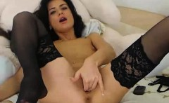Cam babe fucks herself with a dildo