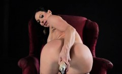 kendra lust offers up her perfect booty for the fucking
