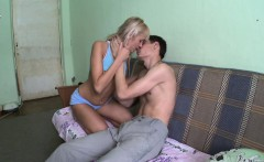 Her petite body was all this guy needed to see to make his