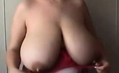 Mom Shows Off Her Saggy Natural Breasts