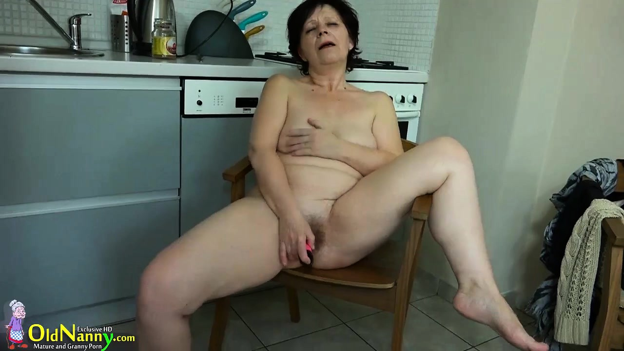 Amateur mature dildo masturbation