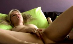 Danish blondie Laura shows intimate home solo