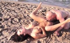 Slutty girl enjoys a good fucking on the beach