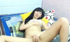 Asian Webcam SLut Rubs Pussy