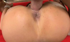 Hotty gets strong orgasms from wild sex with gracious stud
