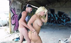 sensual babe blondie fesser fucks her hung gardener