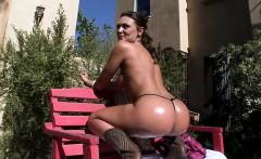 Stunning Gilr With Big Butt