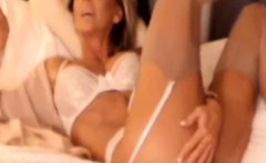 Stunning Dirty Talking Milf Masturbating