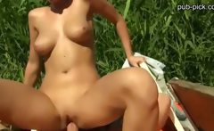 Sunbathing honey agrees to an indecent proposal and gets