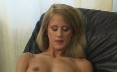 cynthia love using her fingers to her wet pussy