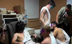 Two hunks enjoy homosexual party and arrange schlong sucking