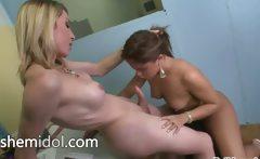 Hot girl sucking her huge dick