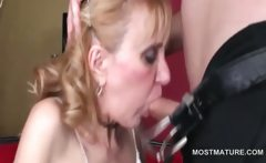 Dick addict mature hoe gives blowjob and anilingus