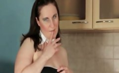 Nasty old whore goes crazy rubbing