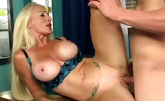 Big tits divorcee Eleanor