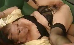 spanish dude fuck mature ladies and pee on them
