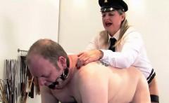 English dominatix pegging her worthless sub
