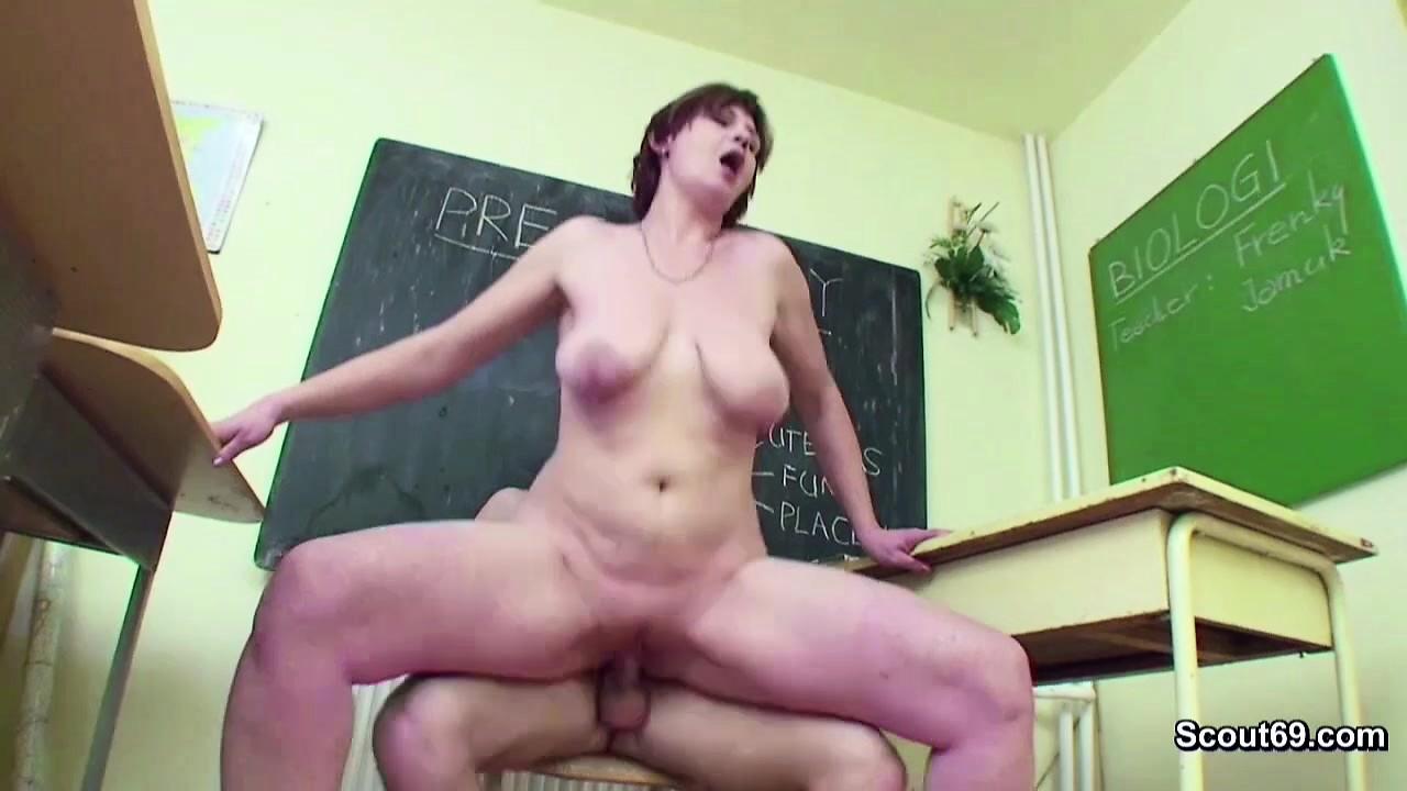 porno gratis tocandose nascosto grasso sulla cam fotocamera hot shoe