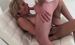 Cheating uk mature lady sonia exposes her big jugs