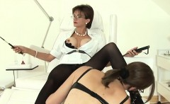 Cheating uk mature lady sonia shows her big boobs
