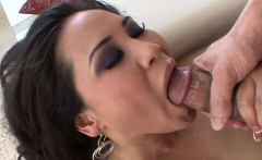Chubby Jessica feels lonely in the sun and teases her clit