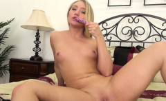 aj applegate playing with her tight young pussy