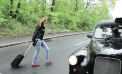 Czech babe bangs in taxi for free ride