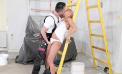 Nikky Thorne Her Painter Rubb Her Ass With His Dick