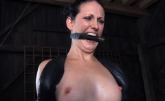 Tough girl in shackles gets her muff pumped