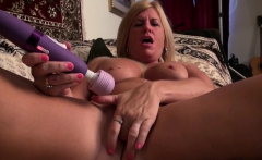 American milf Kyle loves fingering her mature pussy