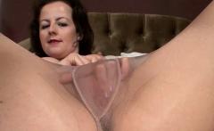 Milf Masturbates in Sexy Nylon Pantyhose