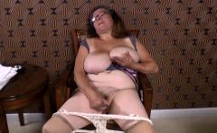 Omageil Horny granny masturbation her old pussy
