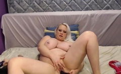 Big and Beautiful Blond Girl With Huge Tits Squirting