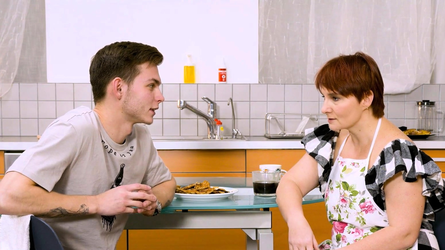 Shame4k. Mature Redhead Agrees To Get Off When Friends Son
